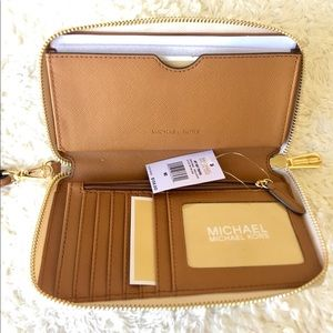 Michael Kors Bags - Michael Kors Jet Set Travel and Wallet Bundle